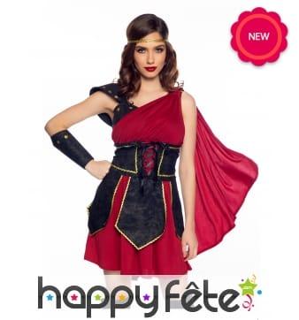 Robe rouge de Romaine