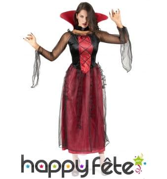 Robe rouge de vampire avec voilage noir
