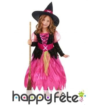 Robe rose et noir de petite sorcière élégante