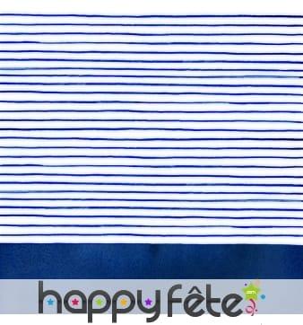 Serviettes blanches avec fines lignes bleues