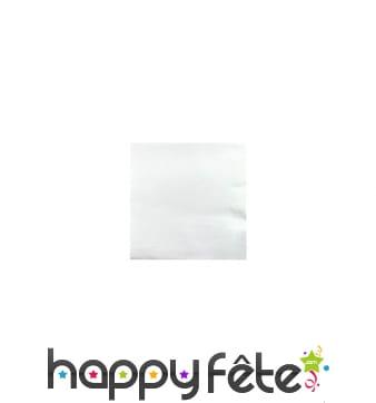 Serviettes blanches en papier