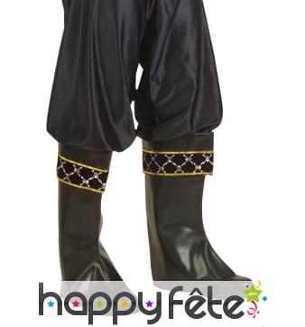 Sur-bottes noires motif pirate