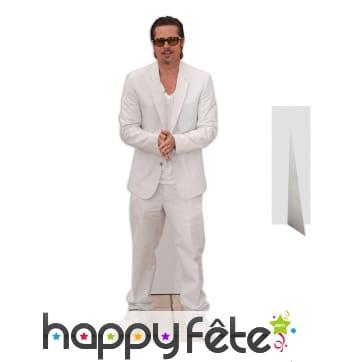 Silhouette de Brad Pitt en costume blanc
