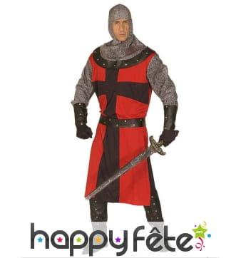Tenue de chevalier médiéval en cotte de maille