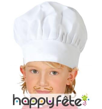 Toque du petit chef cuisinier blanche