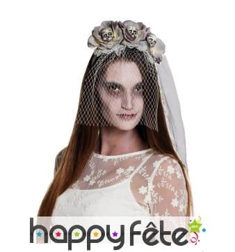 Voile de mariée gothique et têtes de mort