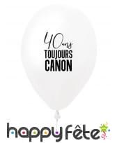 Ballon 40 ans toujours canon blanc en latex, 27 cm