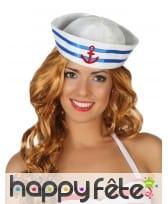 Bonnet de marin blanc avec ancre rouge
