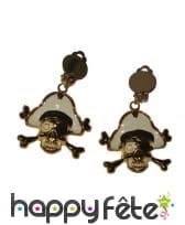 Boucles d'oreilles dorées tête de mort pirate