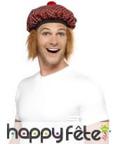Béret écossais avec cheveux roux