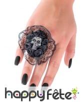 Bague fleure noire en dentelle et crâne, image 1