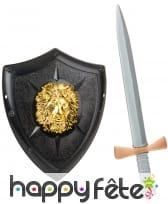 Bouclier triangulaire et épée en plastique