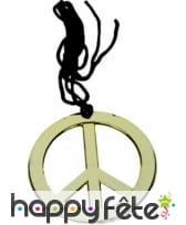 Collier avec pendentif peace and love doré