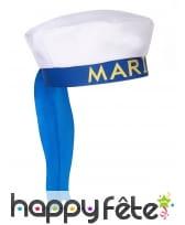 Chapeau blanc imprimé marin sur fond bleu