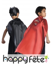 Cape Batman VS Superman réversible pour enfant