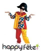 Costume coloré de petit arlequin