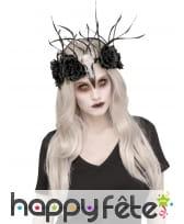 Couronne crâne d'animal et fleurs noires, femme