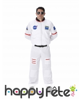 Combinaison d'astronaute blanche