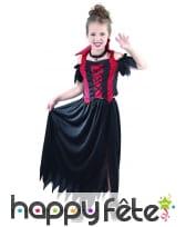 Costume de petite vampire dentelé noir et rouge, image 3