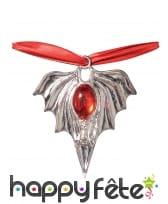 Collier de vampire avec médaillon et pierre rouge