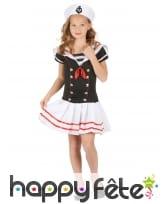 Chapeau et robe marin noire et blanche pour fille