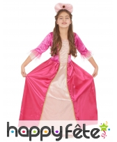 Coiffe et robe rose de petite princesse médiévale