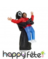 Costume gonflable de la faucheuse qui nous saisit