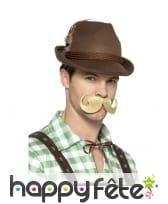 Chapeau marron de bavarois