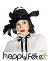Chapeau noir années 20 avec ruban et plumes