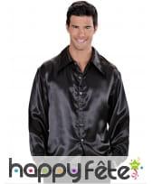 Chemise noire satinée disco pour homme