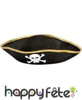 Chapeau pirate avec tête de mort