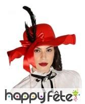 Chapeau rouge années 20 avec plumes et ruban
