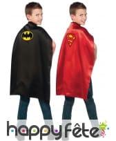 Cape reversible batman/ superman
