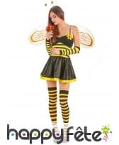 Costume rayé court d'abeille pour femme