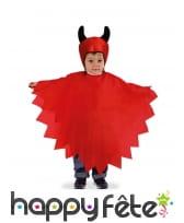 Cape rouge de petit diable avec bonnet