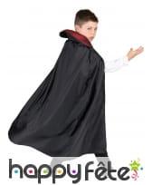 Déguisement enfant de vampire avec longue cape, image 2