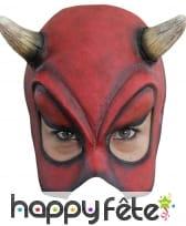Demi-masque de diable rouge avec corne
