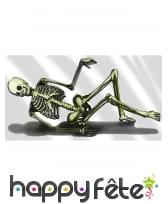 Décor squelette allongé de 75 x 150 cm