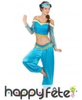 Ensemble bleu de danseuse orientale