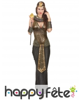 Elegant costume noir et doré de reine egyptienne