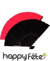 Eventail chinois noir en tissu