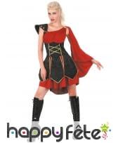 Elégante tenue de femme gladiatrice