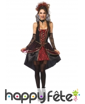 Elegante tenue robe noire et rouge de vampire