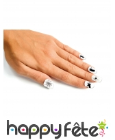 Faux ongles blancs motifs Halloween