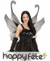 Grandes ailes de papillon noires à paillettes
