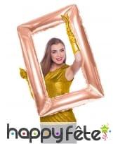 Grand ballon cadre rose doré de 85 x 60 cm