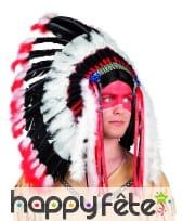 Grande coiffe noire et rouge de chef indien