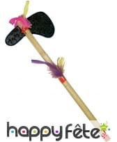 Hache indienne tomahawk avec plumes
