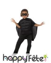 Kit noir de super héros rembourré pour enfant