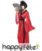 Kimono rouge de geisha imprimés calligraphie, image 1